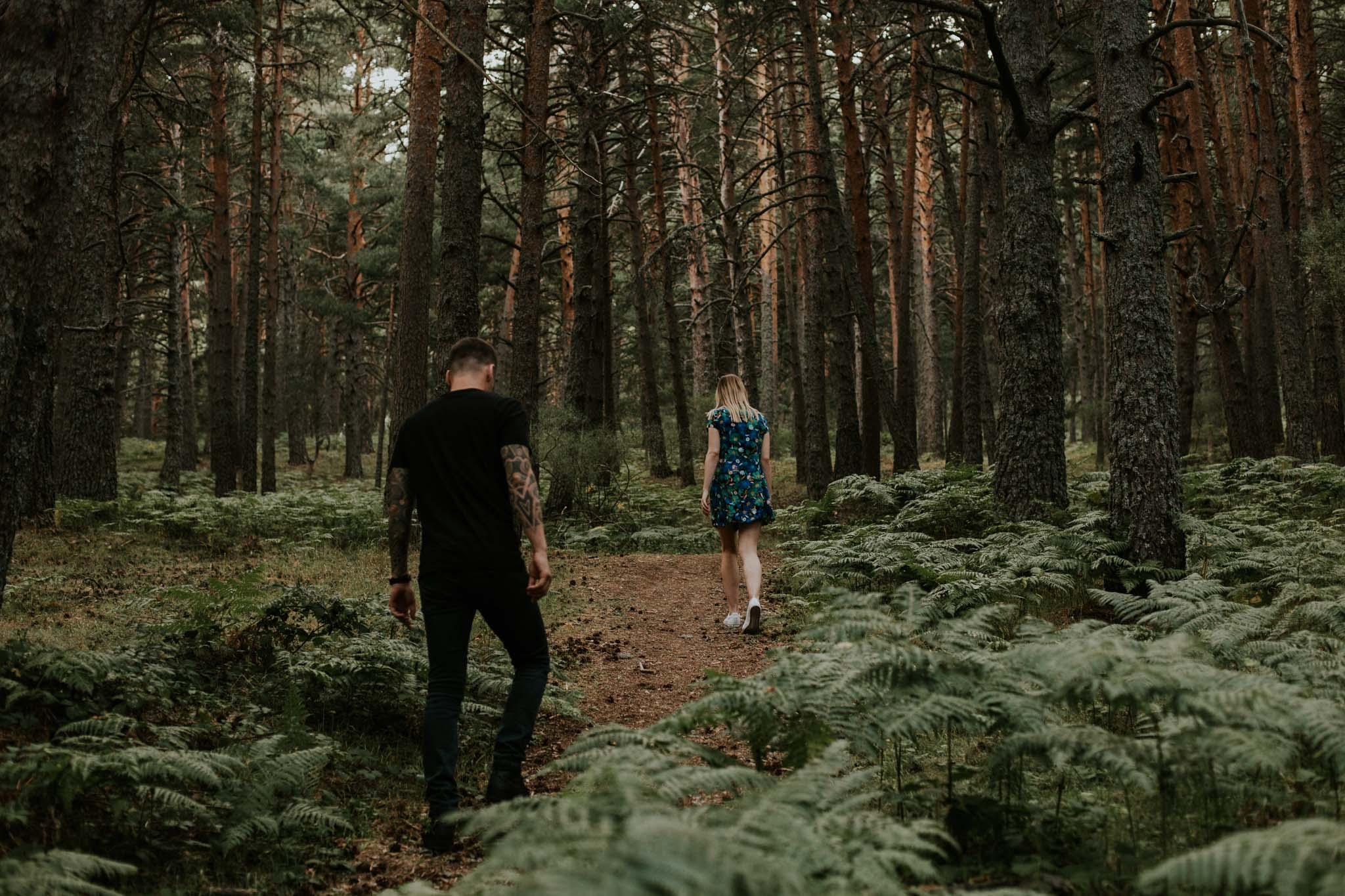 Fotografia pareja bosque 1 Concorazon