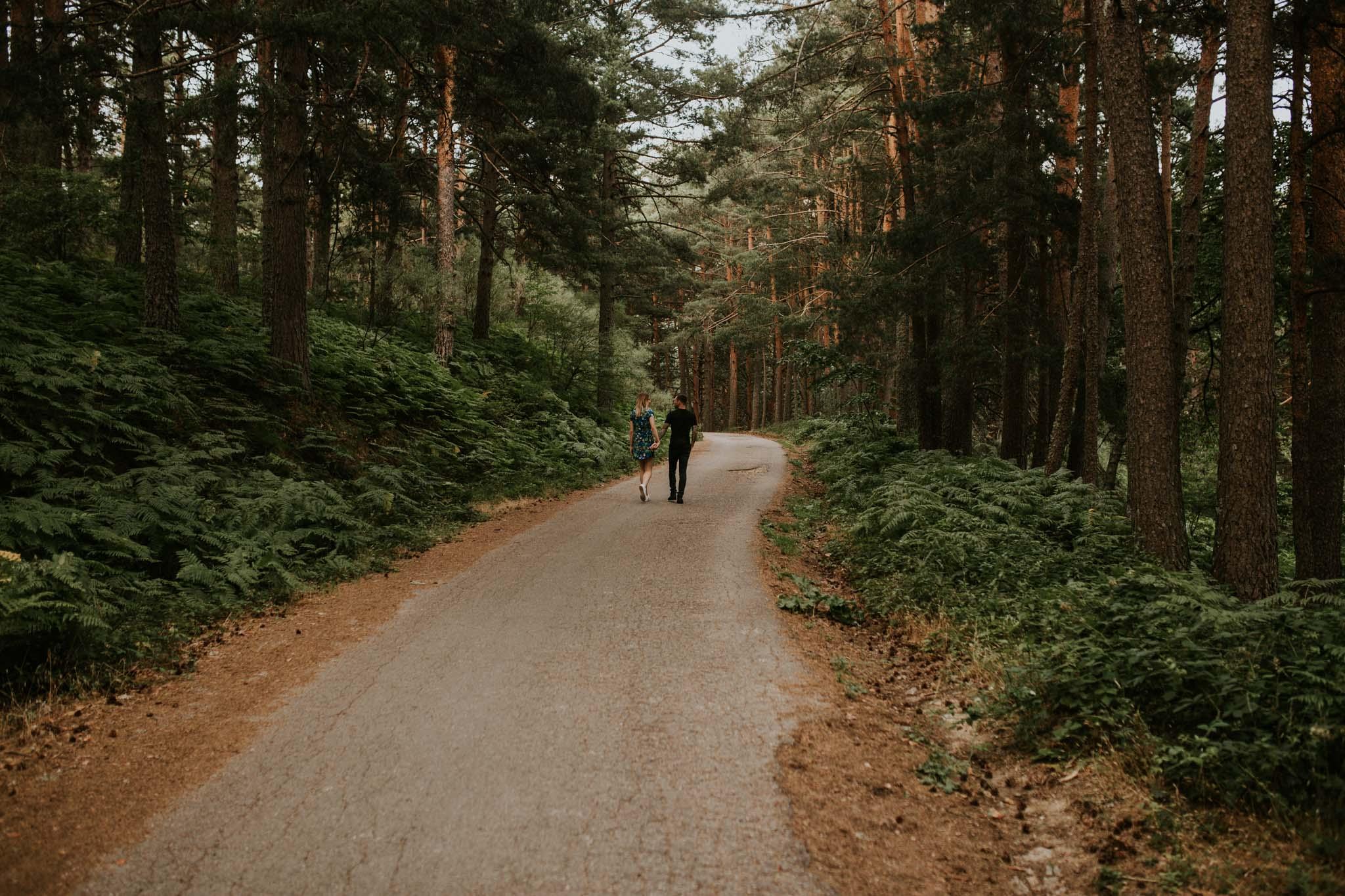 Fotografia pareja bosque 10 Concorazon