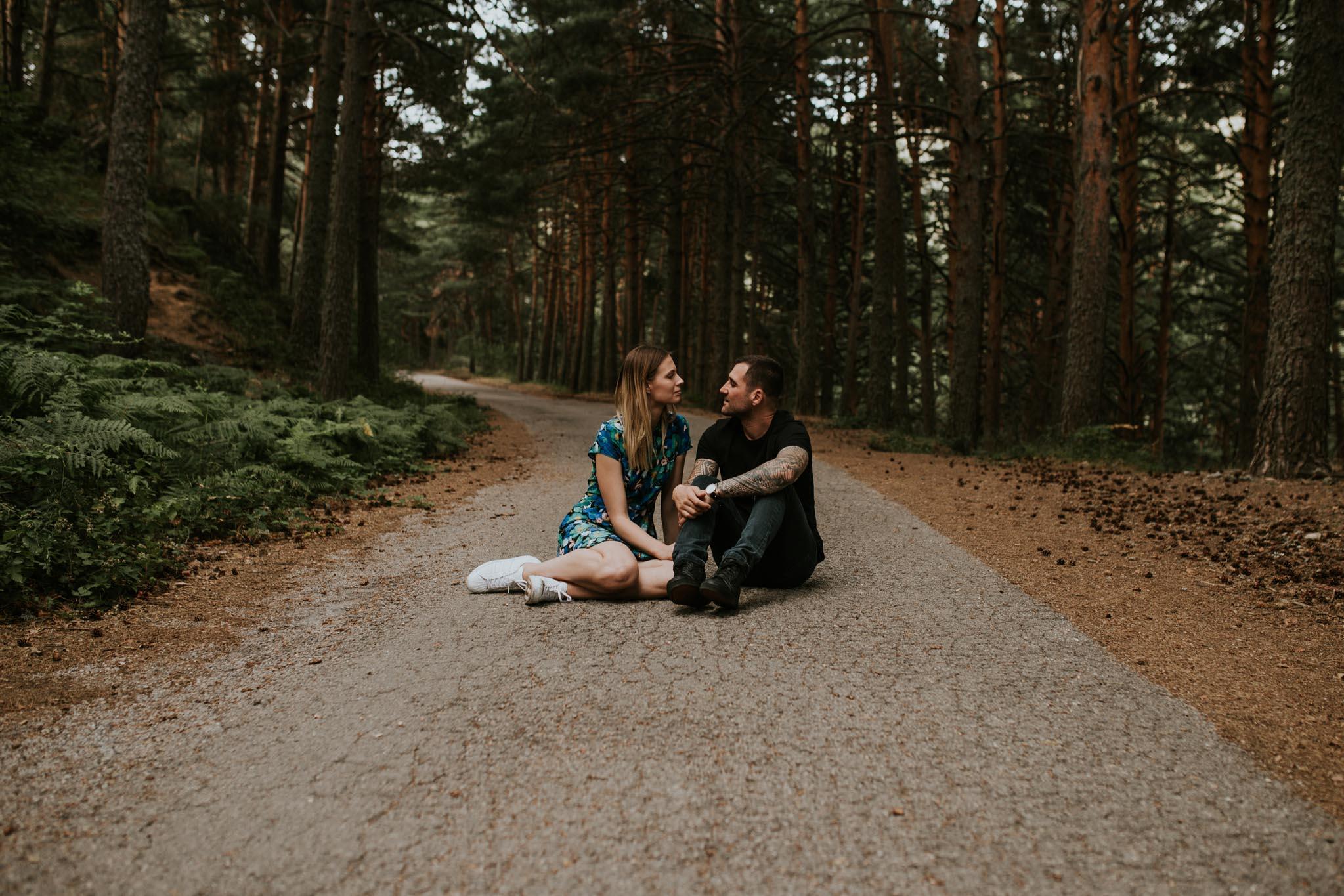 Fotografia pareja bosque 16 Concorazon