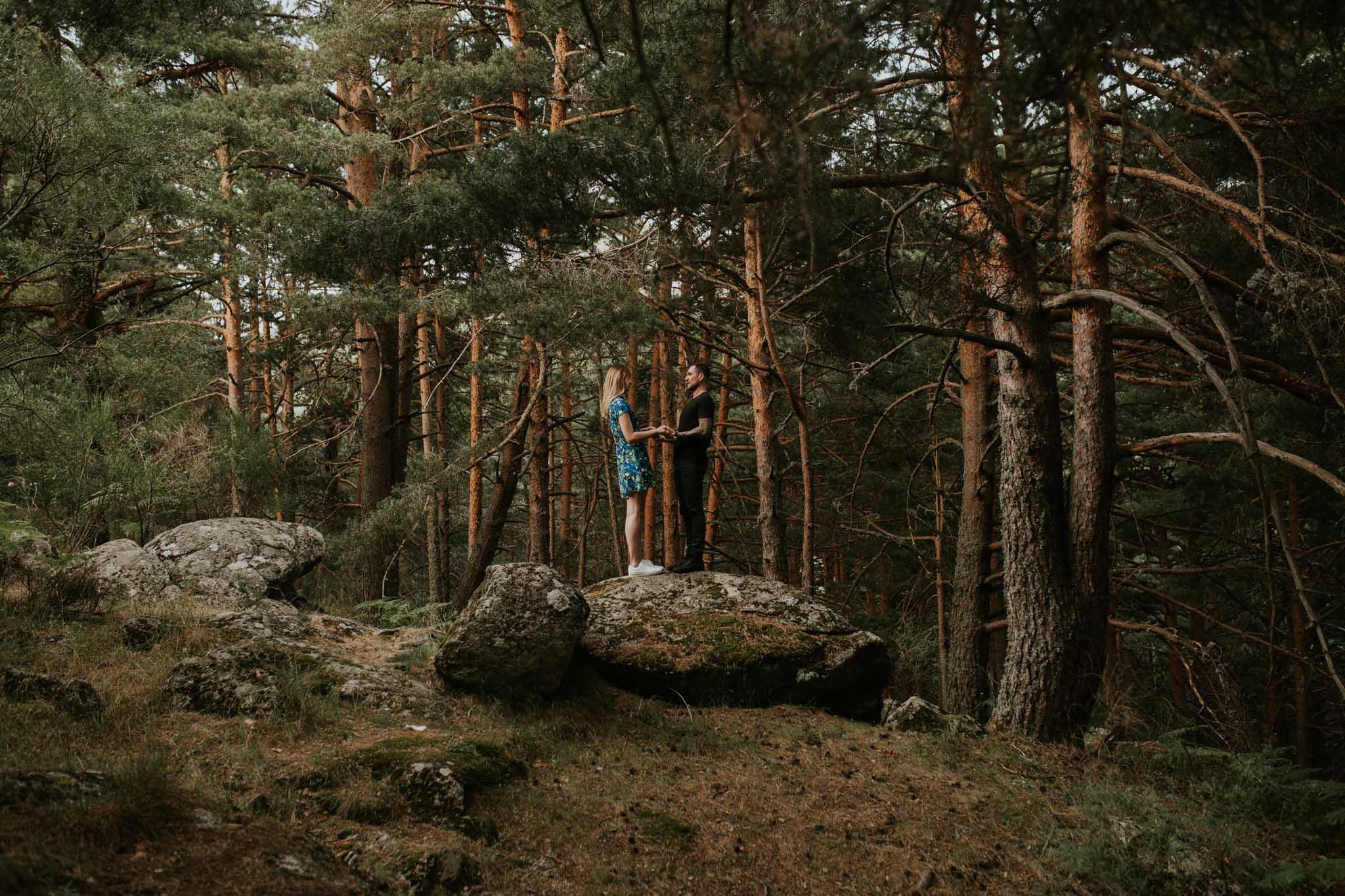 Fotografia pareja bosque 22 Concorazon
