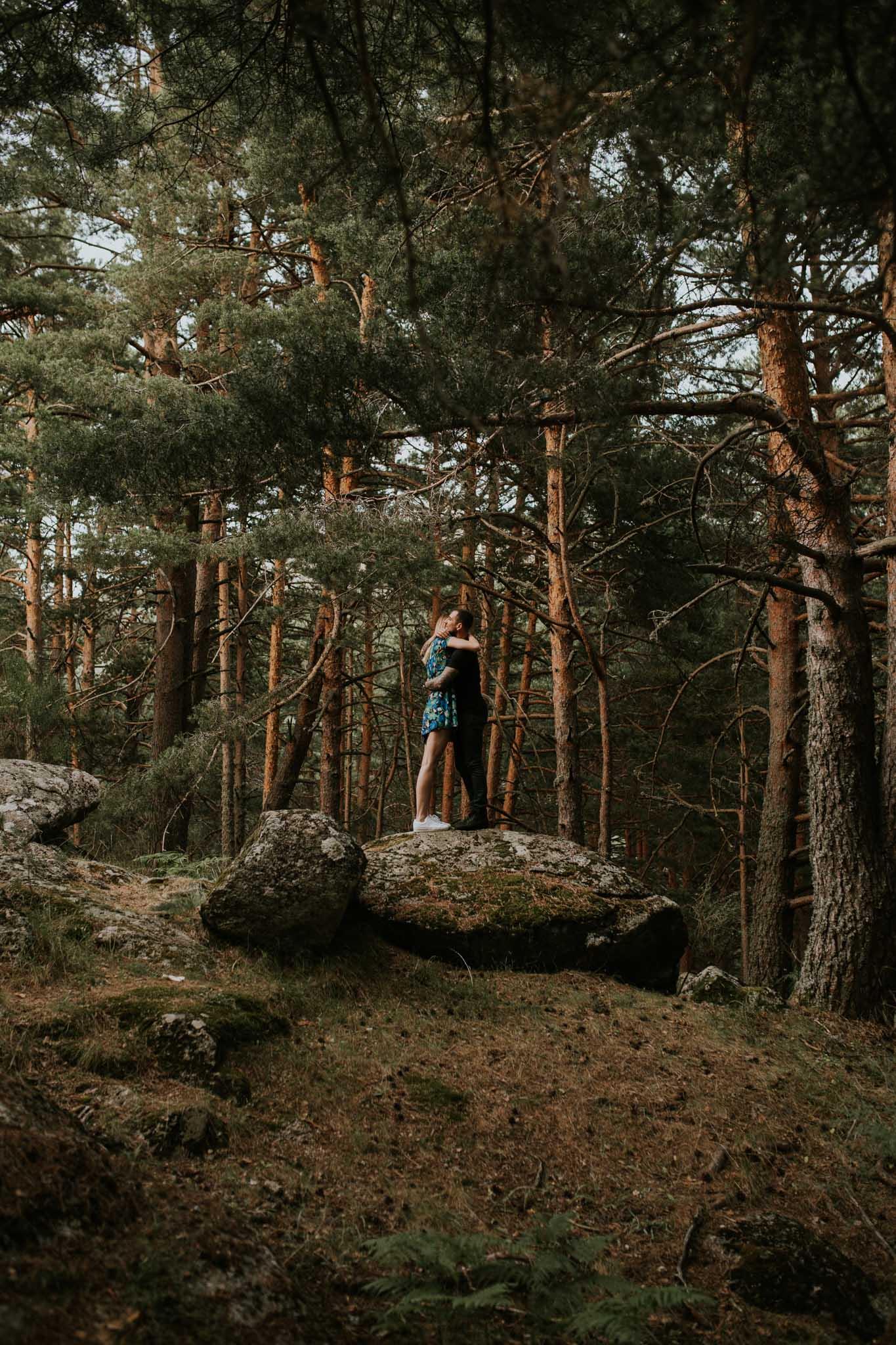 Fotografia pareja bosque 23 Concorazon