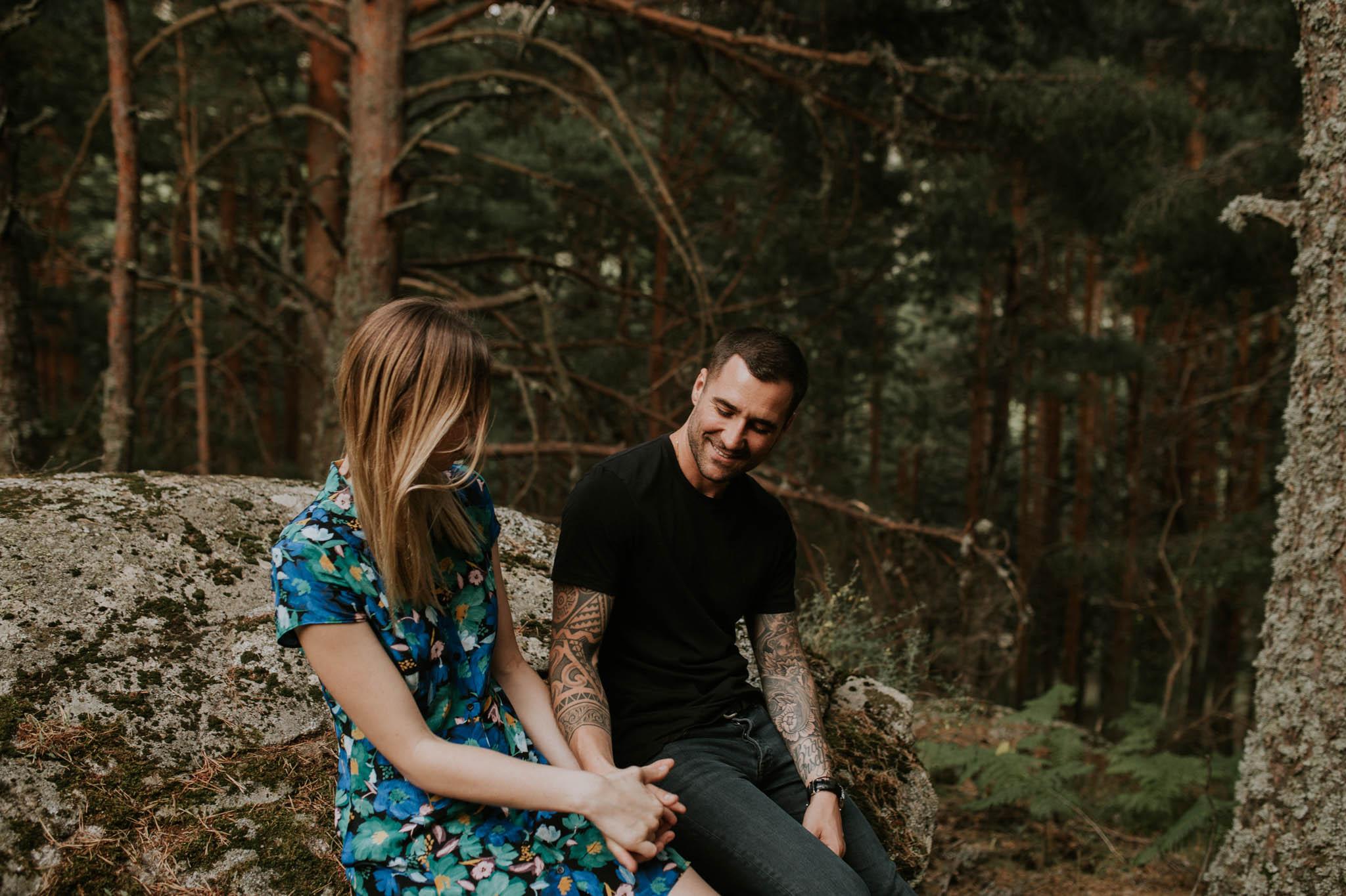Fotografia pareja bosque 29 Concorazon