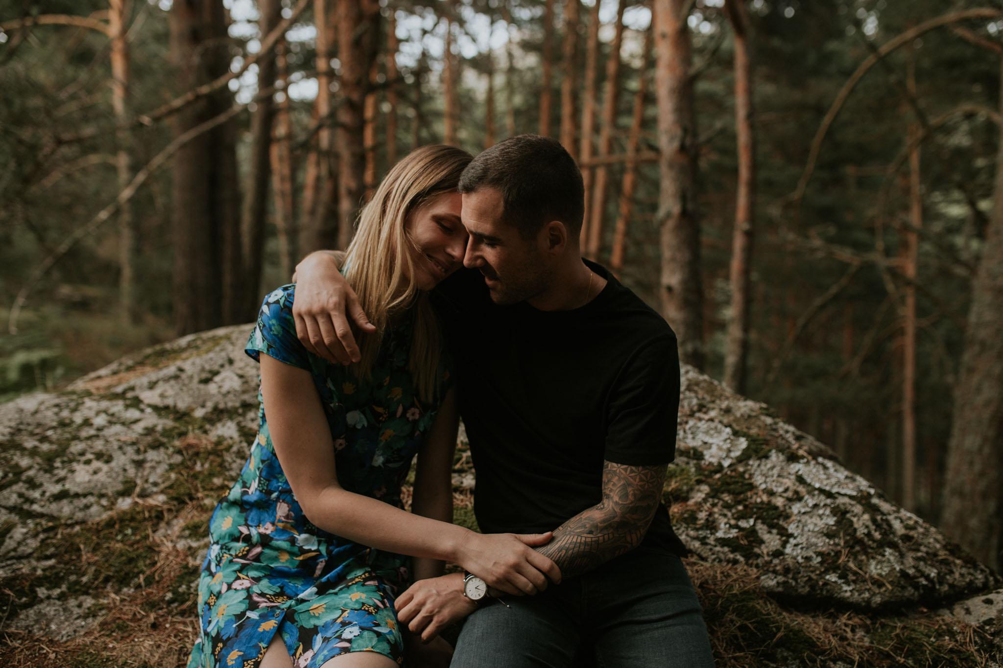 Fotografia pareja bosque 31 Concorazon